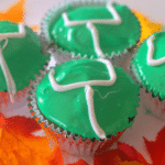 Football Goal Post Cupcakes: An Easy Game Day Food