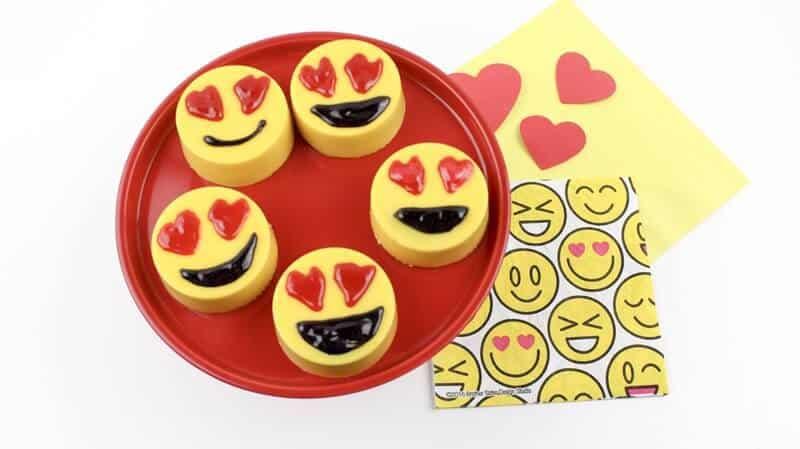 Heart Eyes Emoji Valentine Oreos