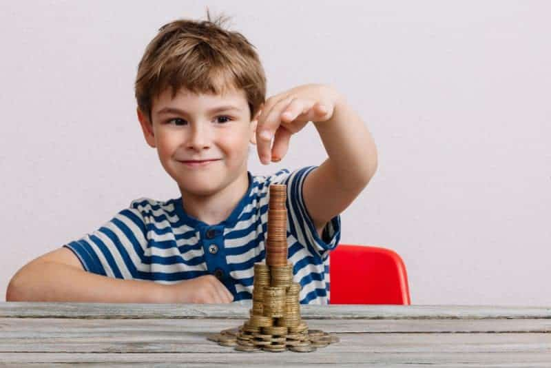 Help set up your children for financial success from the start with these 5 smart tips on how to raise financially independent children.