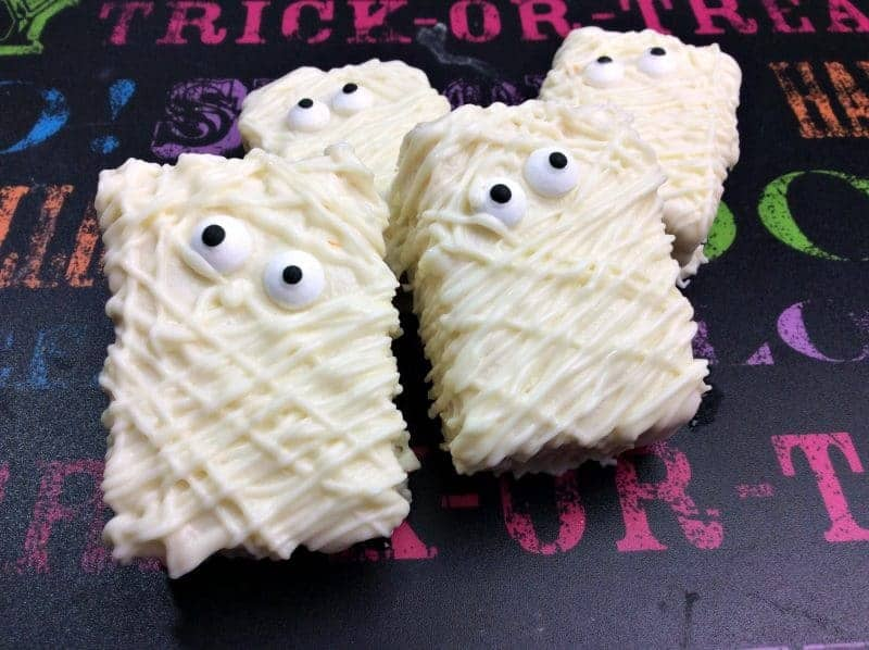 3 ingredient spooky mummy rice krispies treats are the perfect easy to make