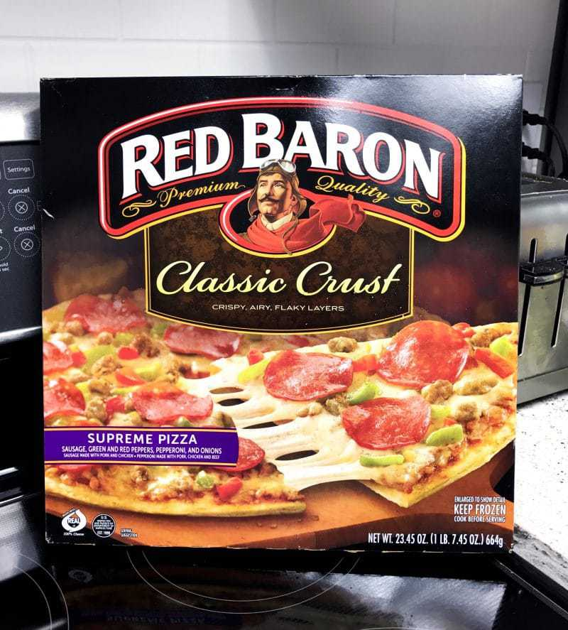 As a new mama, I often struggle to find time to make dinner. Find out how Red Baron® pizza helps mamas like me to conquer mealtime chaos!