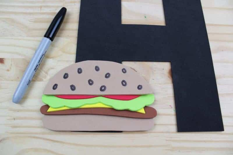 This letter H is for hamburger craft with printable template is part of our letter of the week craft series, designed to foster letter recognition in toddlers and preschoolers.