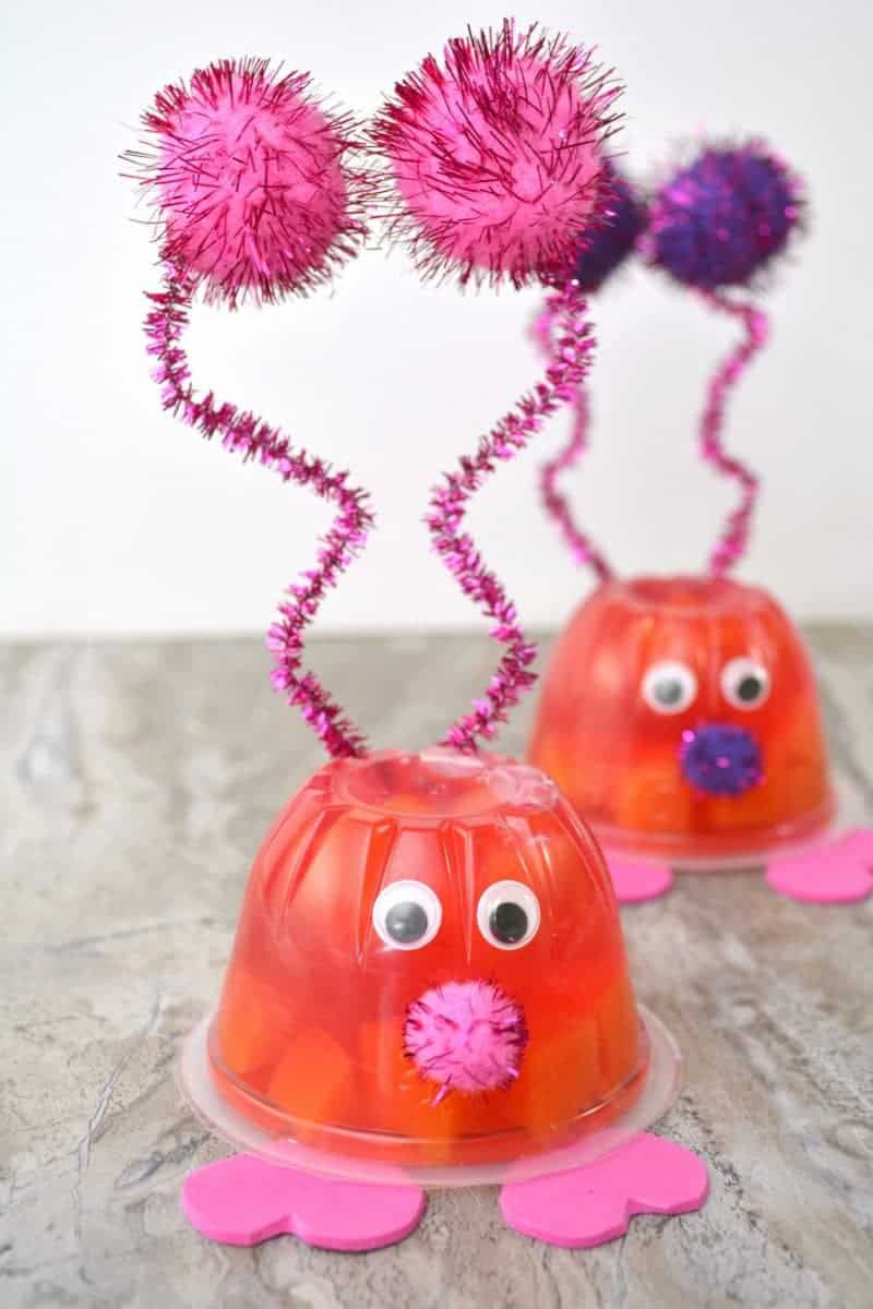 Looking for Valentines Day ideas for kids?! Love Bug Valentine Fruit Cups are the perfect cute little treat to serve at your kids Valentine's Day party!