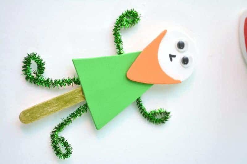 Whether you need something for your own kids or you're a teacher looking for a quick and easy classroom St. Patrick's Day craft idea, this popsicle stick leprechaun craft is an excellent choice. Not only is this leprechaun puppet on a stick craft easy to make, but the supplies are really affordable as well.