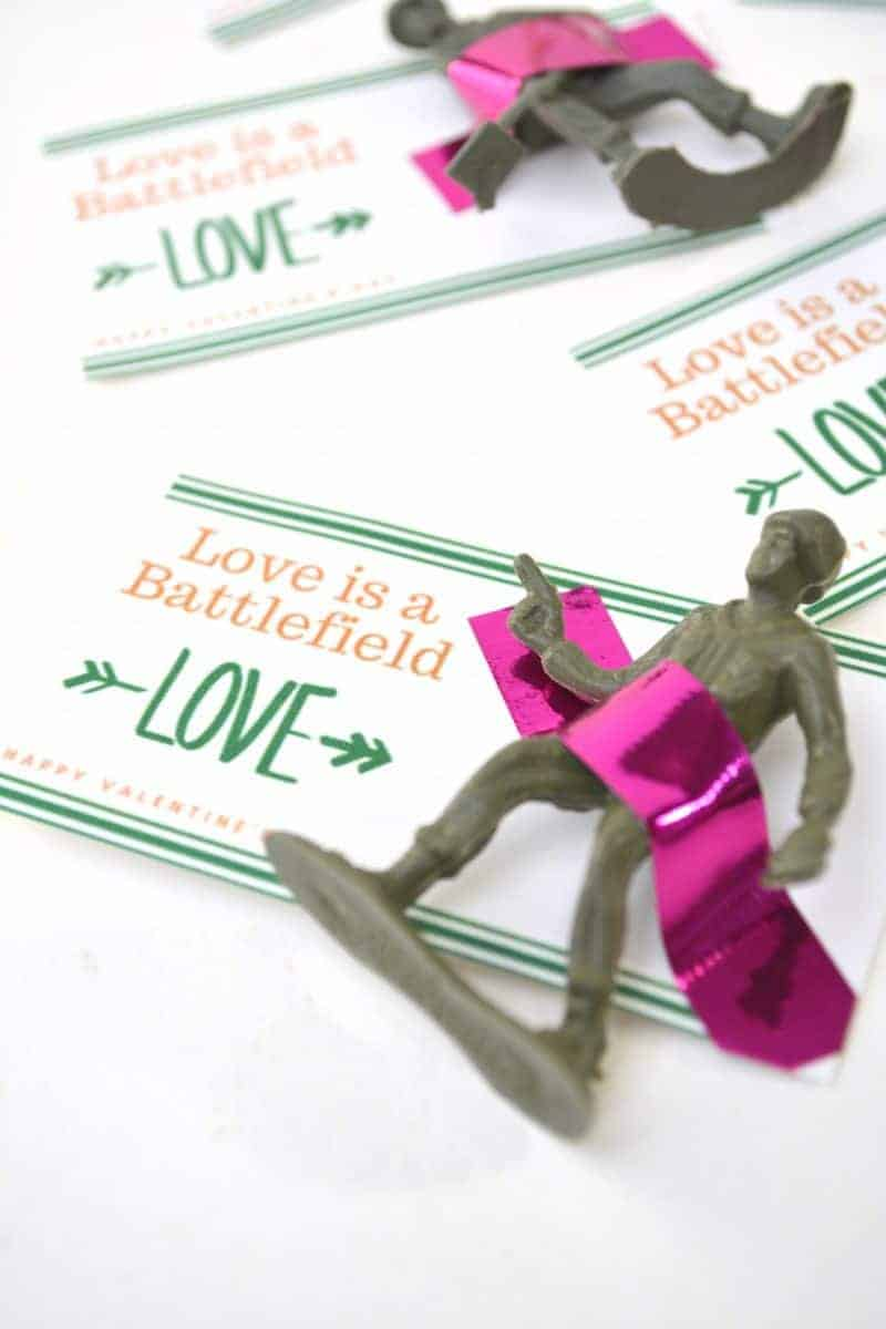 Are you looking for a fun and free printable valentine for the kids to give their classmates? This toy soldier Valentine is a fun, unique, easy, and inexpensive Valentine's Day gift idea.
