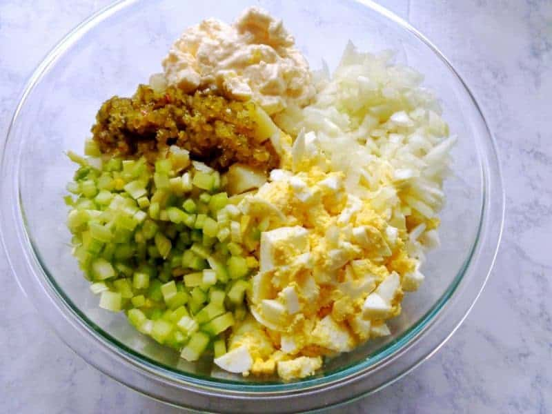 A creamy old fashioned potato salad recipe great for potlucks and summer barbecues. This class side dish is made using mayonnaise, hard boiled eggs, sweet relish, celery, sweet onion, and spices.