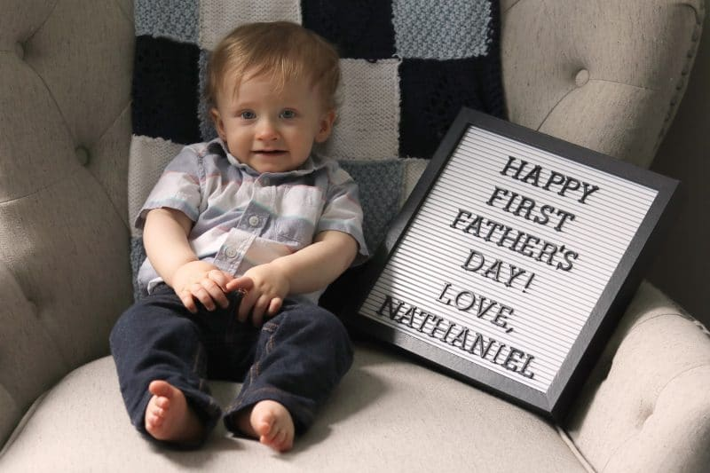 Looking for a father's day gift idea for a new dad? Check out these ideas of ways to wish dad a happy first father's day from baby.
