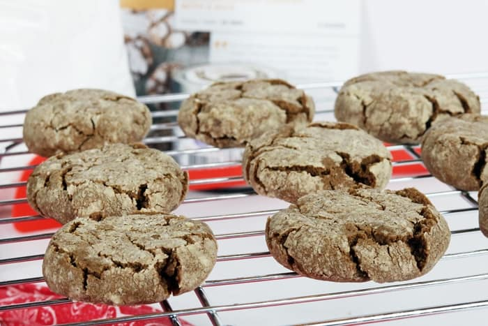 A little twist on an old favorite adds a bit of spice to these Mexican crinkle cookies.
