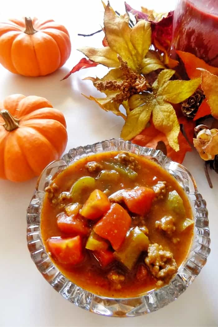 A savory Fall slow cooker Pumpkin chilli recipe perfect for warming your bones up on a cool evening.
