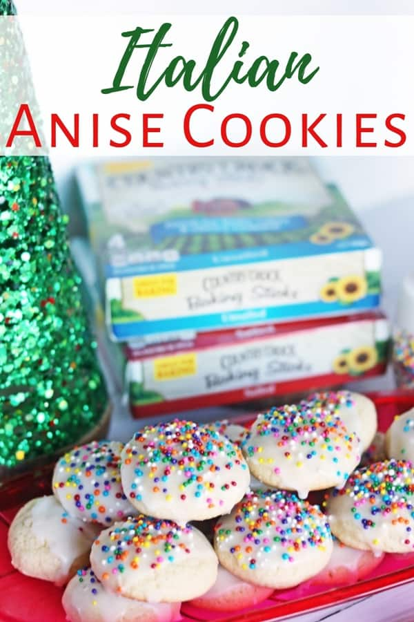 A recipe for soft and chewy Italian Anise Cookies (aka Italian Christmas Cookies) that have the classic liquorice flavor everyone loves. Plus, a printable recipe card perfect for your holiday cookie exchange!