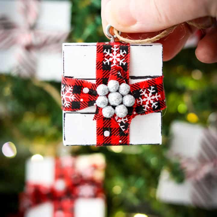 DIY Jenga Block Present Ornament