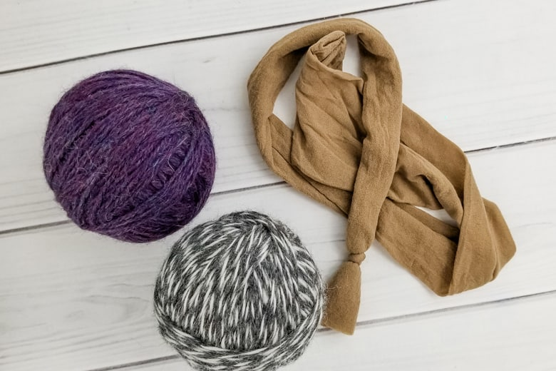 cut ends of yarn for dryer balls