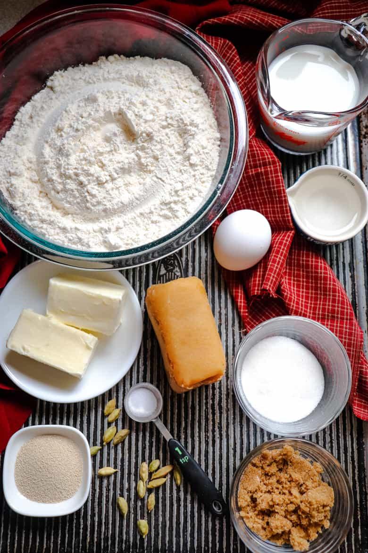 Flour, butter, egg, milk, sugar, almond paste, yeast