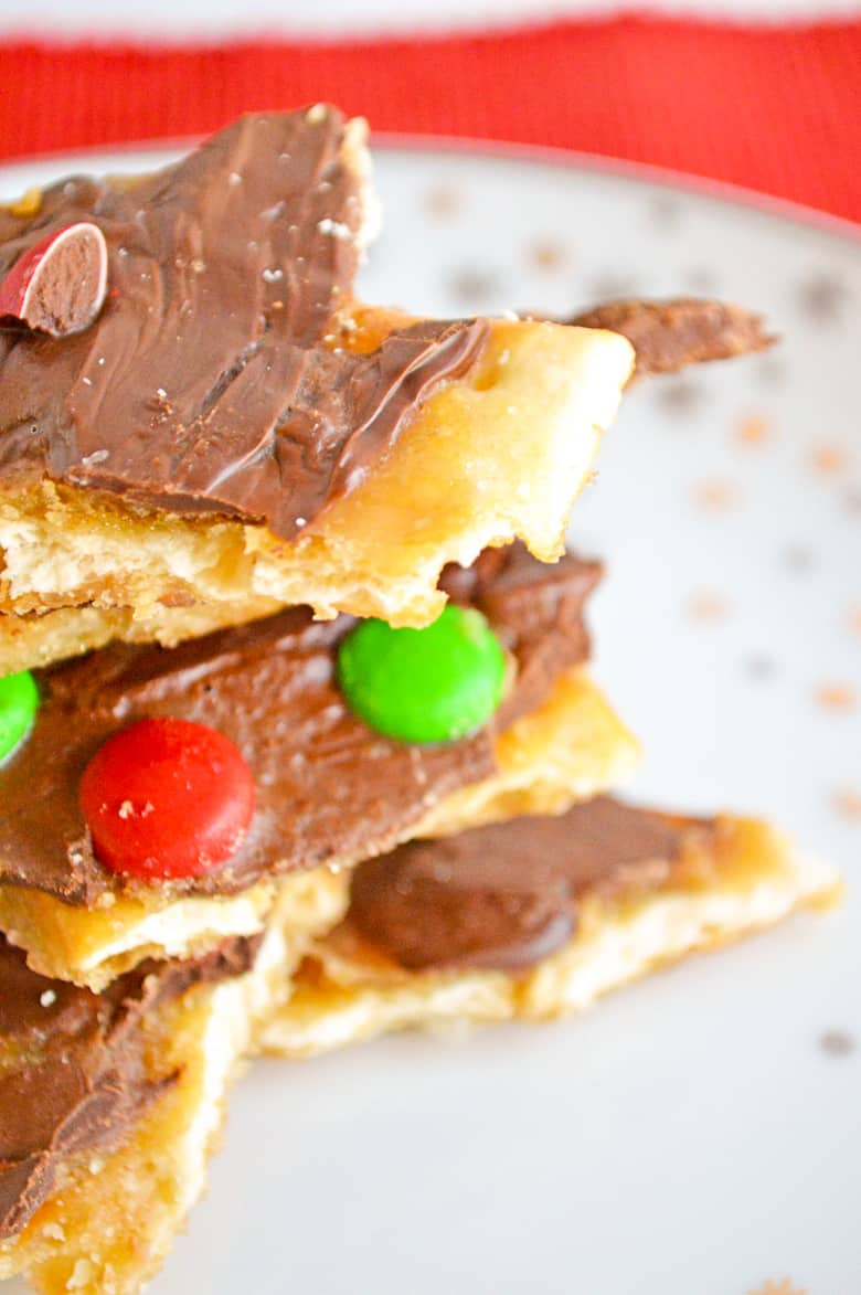 christmas candy crack on a plate