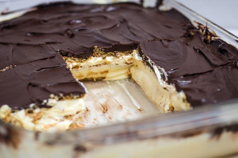 Easy No Bake Eclair Cake Recipe