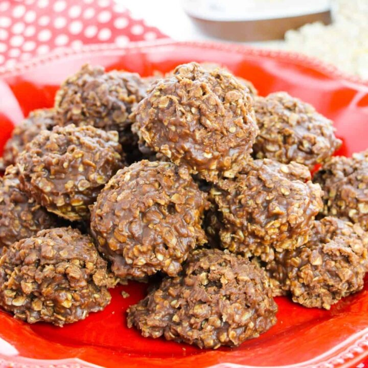 No-bake Nutella Cookies piled on a red